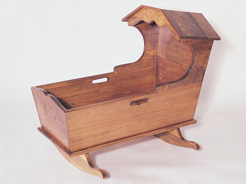 All wood Heritage cradle has an old-fashioned style
