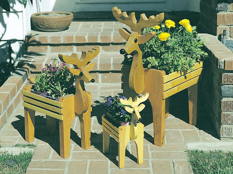 Country Plan Front of Home Deer Planter Trio