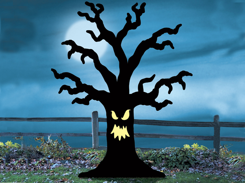 Sppoky tree yard art pattern adds a haunted effect to your yard